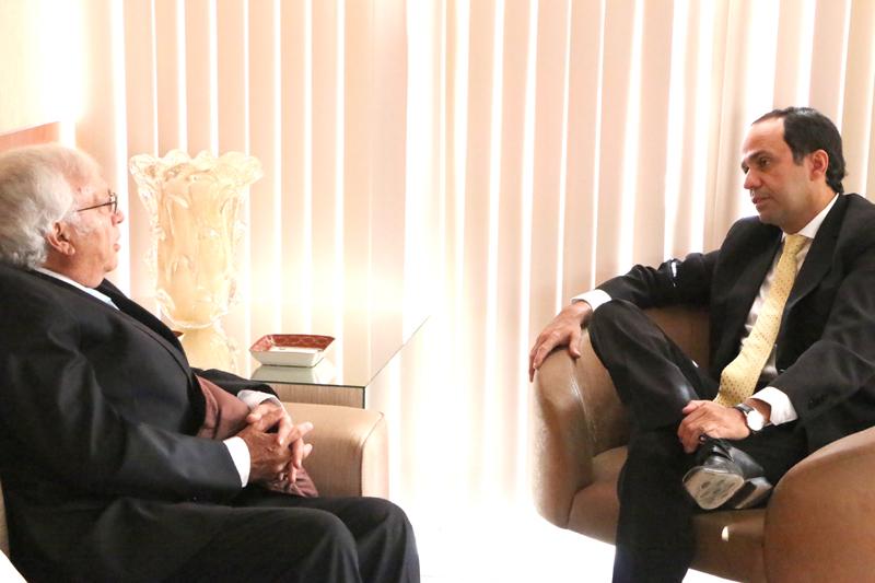 Embaixador Equador_Demis Roussos (11)